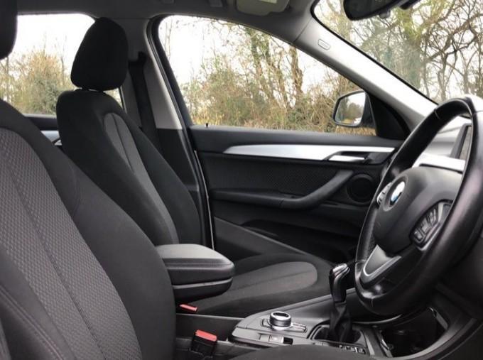 2017 BMW SDrive18d SE (White) - Image: 11