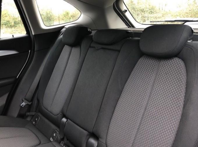 2017 BMW SDrive18d SE (White) - Image: 12