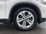 2017 BMW SDrive18d SE (White) - Image: 14