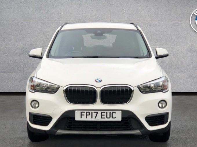 2017 BMW SDrive18d SE (White) - Image: 16