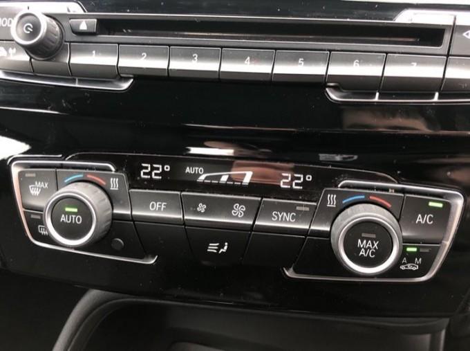 2017 BMW SDrive18d SE (White) - Image: 19