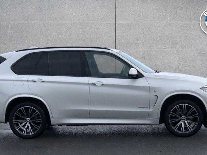 2018 BMW XDrive40d M Sport (White) - Image: 3