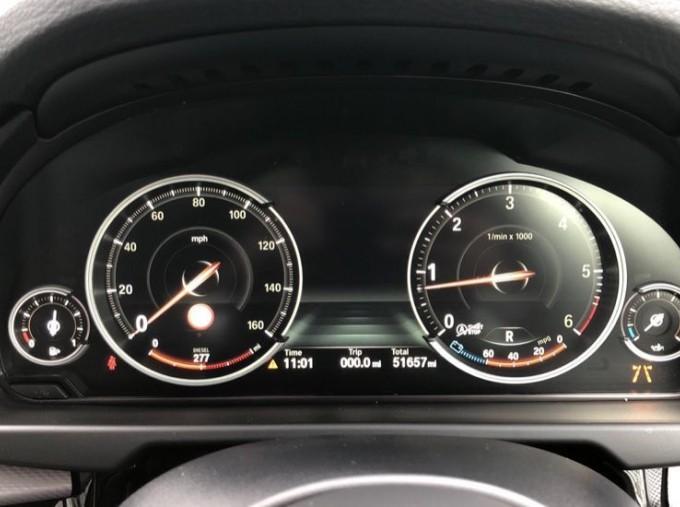 2018 BMW XDrive40d M Sport (White) - Image: 9