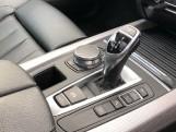 2018 BMW XDrive40d M Sport (White) - Image: 10