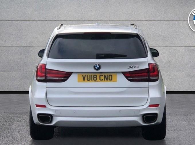 2018 BMW XDrive40d M Sport (White) - Image: 15