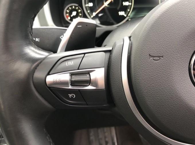 2018 BMW XDrive40d M Sport (White) - Image: 17