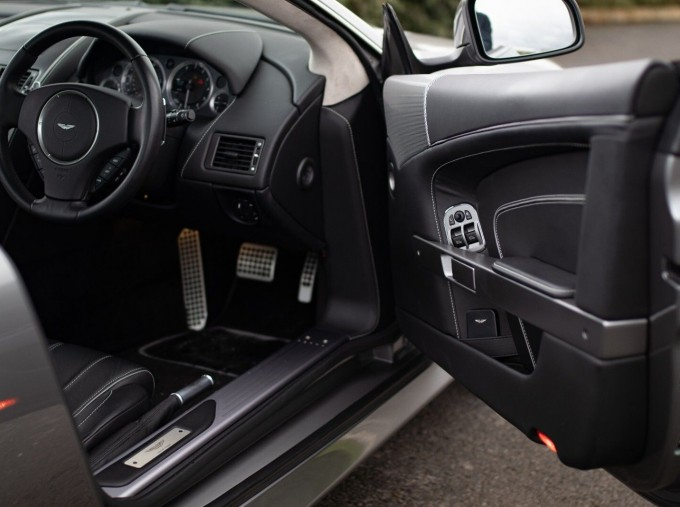 2012 Aston Martin V12 Touchtronic 2-door (Silver) - Image: 10