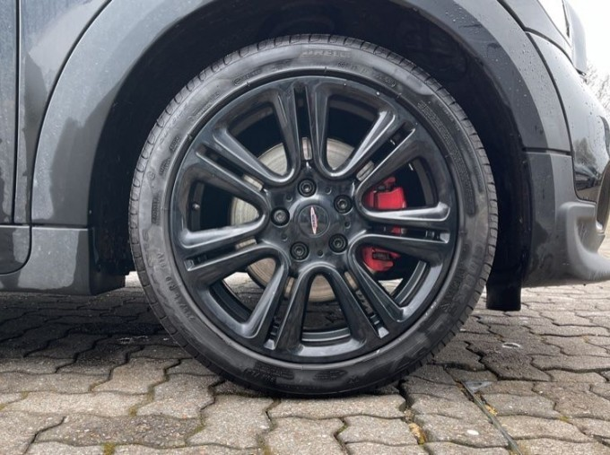 2014 MINI John Cooper Works Countryman (Black) - Image: 14