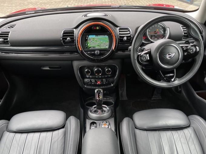 2019 MINI Cooper S Exclusive (Red) - Image: 4