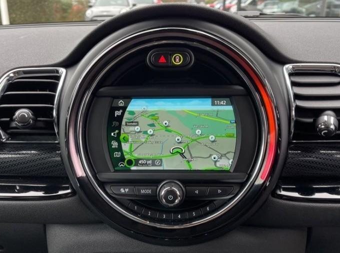 2019 MINI Cooper S Exclusive (Red) - Image: 8