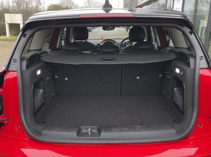 2019 MINI Cooper S Exclusive (Red) - Image: 13