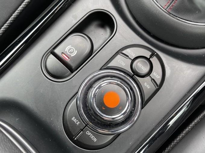 2019 MINI Cooper S Exclusive (Red) - Image: 19