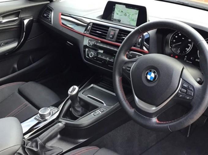 2019 BMW 118i Sport 5-door (Red) - Image: 6