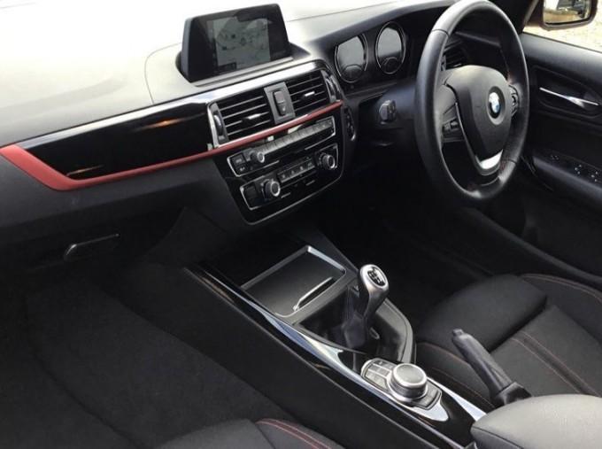 2019 BMW 118i Sport 5-door (Red) - Image: 7