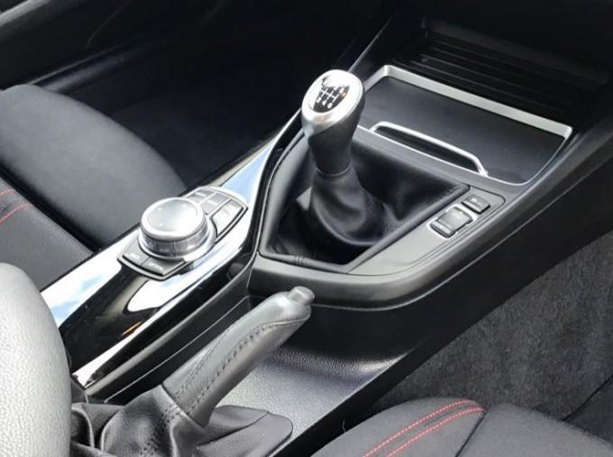 2019 BMW 118i Sport 5-door (Red) - Image: 10