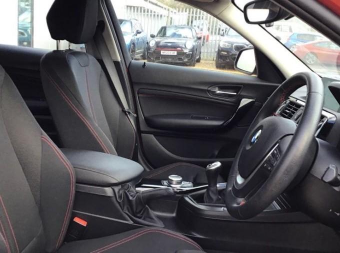 2019 BMW 118i Sport 5-door (Red) - Image: 11
