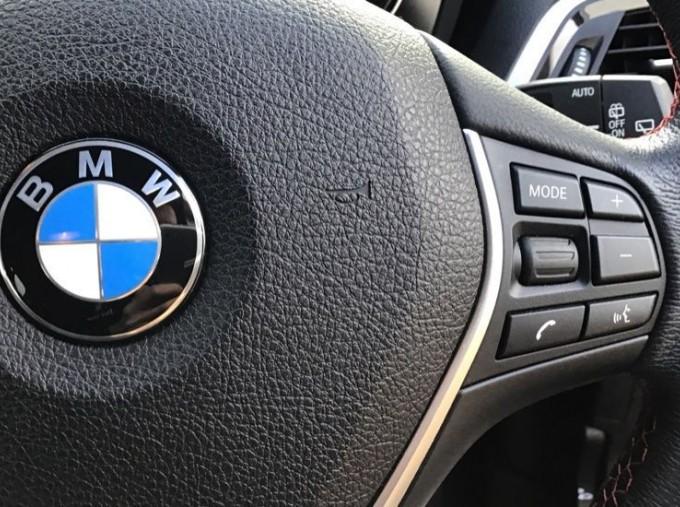 2019 BMW 118i Sport 5-door (Red) - Image: 18