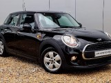 2017 MINI 5-door One (Black) - Image: 1