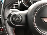 2017 MINI 5-door Cooper S (Black) - Image: 17