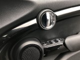 2017 MINI 5-door Cooper S (Black) - Image: 20