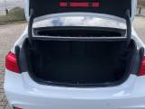 2018 BMW 320i M Sport Saloon (White) - Image: 13