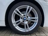 2018 BMW 320i M Sport Saloon (White) - Image: 14