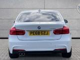 2018 BMW 320i M Sport Saloon (White) - Image: 15