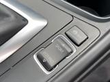 2018 BMW 320i M Sport Saloon (White) - Image: 19