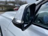 2018 BMW 320i M Sport Saloon (White) - Image: 27