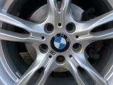 2018 BMW 320i M Sport Saloon (White) - Image: 29