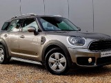 2018 MINI Cooper ALL4 Countryman (Silver) - Image: 1
