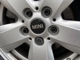 2017 MINI 5-door One D (Red) - Image: 33
