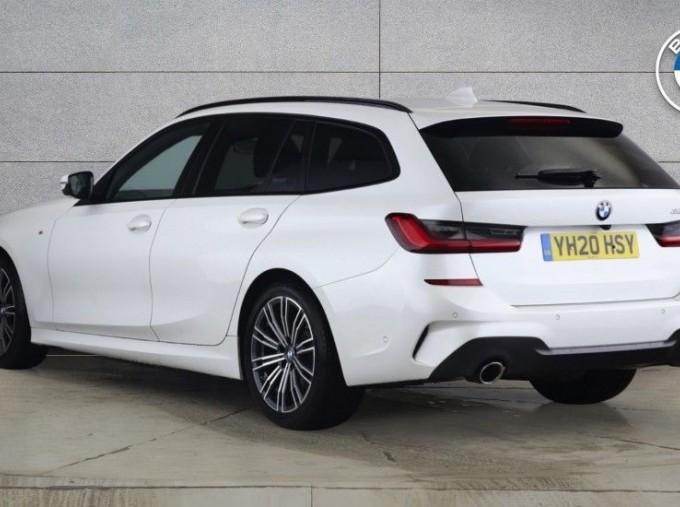2020 BMW 320d M Sport Touring (White) - Image: 2