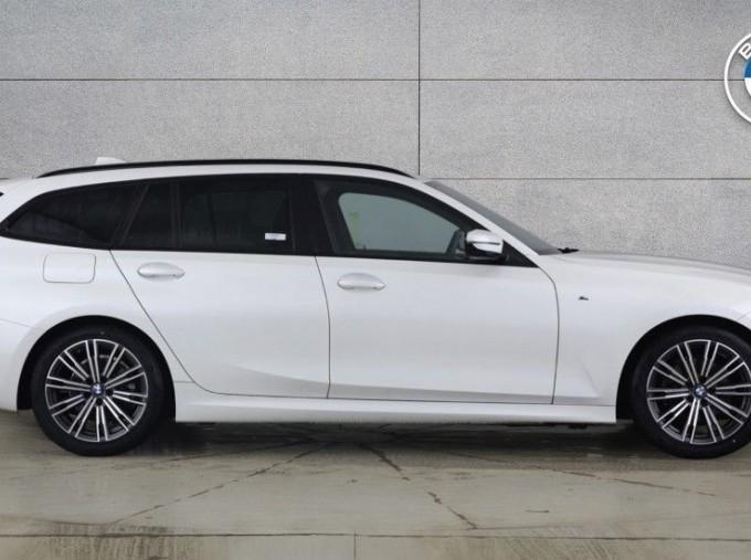 2020 BMW 320d M Sport Touring (White) - Image: 3