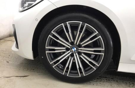 2020 BMW 320d M Sport Touring (White) - Image: 14