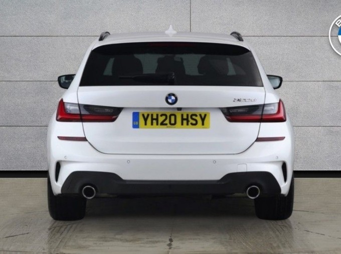 2020 BMW 320d M Sport Touring (White) - Image: 15