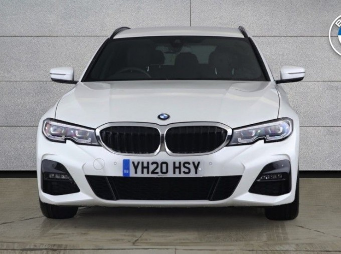 2020 BMW 320d M Sport Touring (White) - Image: 16