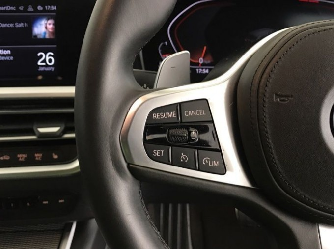 2020 BMW 320d M Sport Touring (White) - Image: 17