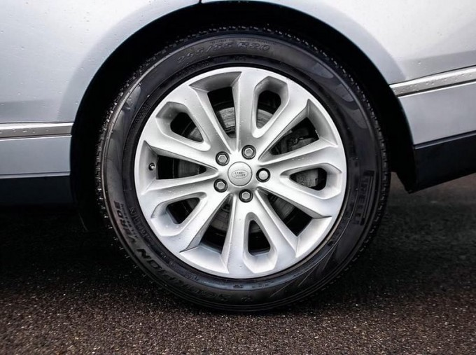 2015 Land Rover TD V6 Vogue Auto 4WD 5-door (Grey) - Image: 8