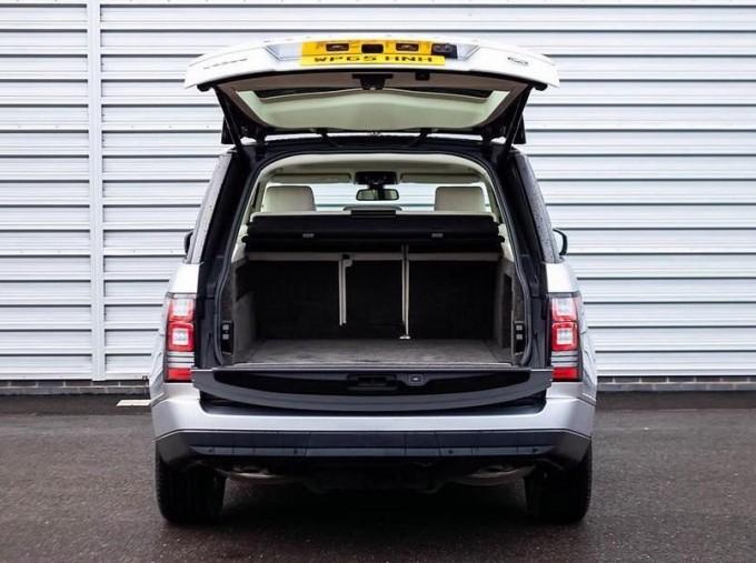 2015 Land Rover TD V6 Vogue Auto 4WD 5-door (Grey) - Image: 15
