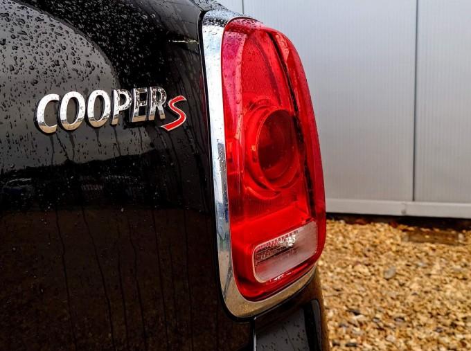 2018 MINI Cooper S Sport (Black) - Image: 6
