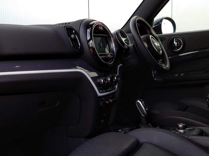 2018 MINI Cooper S Sport (Black) - Image: 9
