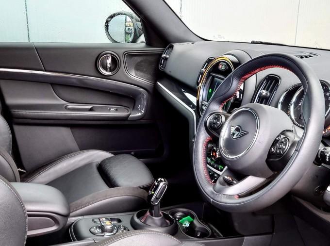 2018 MINI Cooper S Sport (Black) - Image: 10