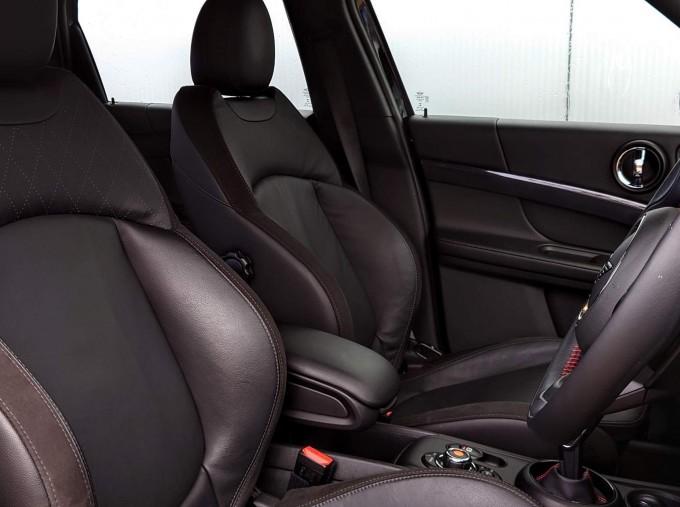 2018 MINI Cooper S Sport (Black) - Image: 12