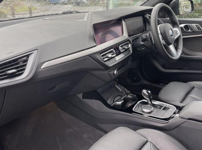 2020 BMW 120d xDrive M Sport (Black) - Image: 7