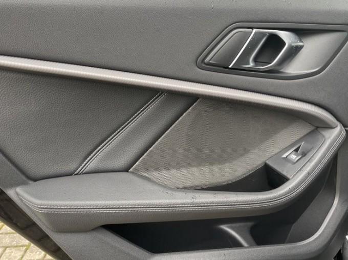 2020 BMW 120d xDrive M Sport (Black) - Image: 32