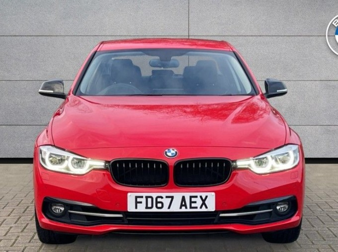 2017 BMW 320i Sport Saloon (Red) - Image: 16