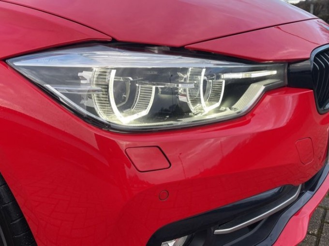 2017 BMW 320i Sport Saloon (Red) - Image: 22