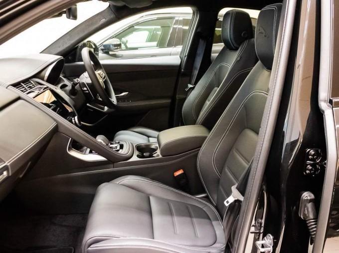 2021 Jaguar P200 MHEV R-Dynamic HSE Auto 5-door (Black) - Image: 3