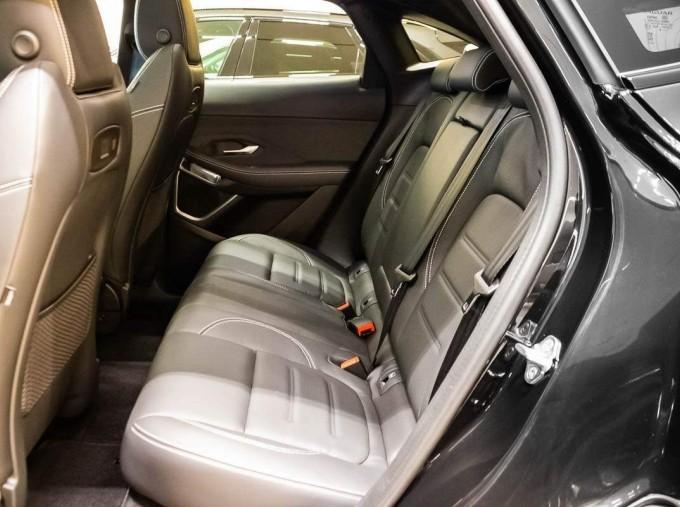 2021 Jaguar P200 MHEV R-Dynamic HSE Auto 5-door (Black) - Image: 4